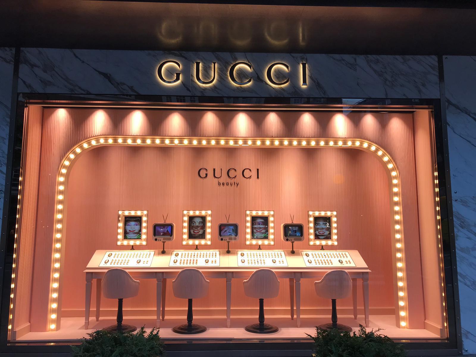 Allestimento temporaneo lusso: Gucci, via Montenapoleone Milano